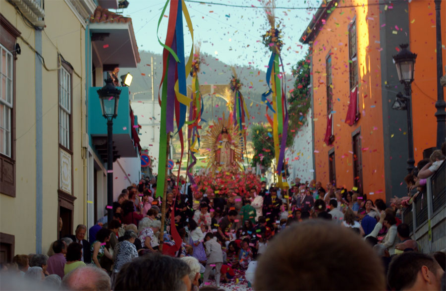 Procession for the Sacred Heart fiesta, El Paso, La Palma island