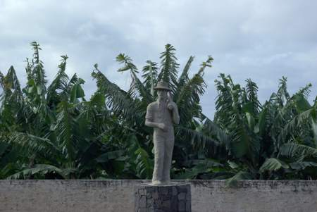 Statue of banana worker, Banana museum, Tazacorte