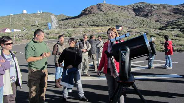 Observing the sun at the Roque de Los Muchachos observatory