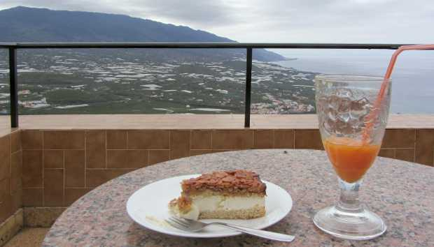 Almond and honey cake at El Time viewpoint, Tijarafe, La Palma island