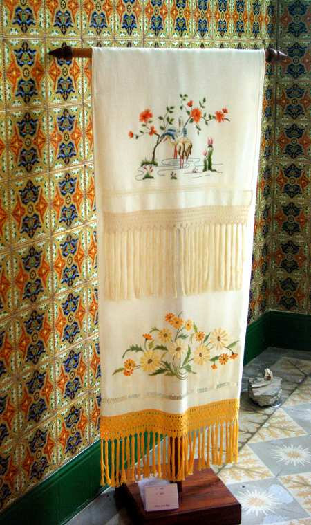 Satin stitch towel in the embroidery museum, Mazo, La Palma