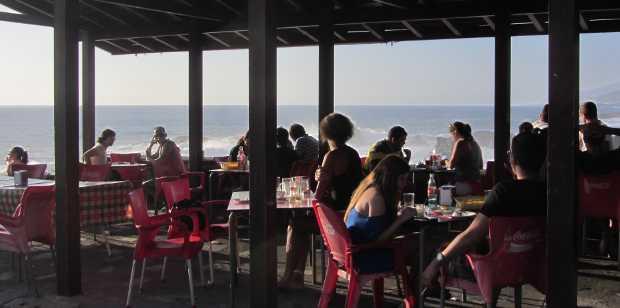 People eating lunch at La Zamora kiosk, Fuencaliente, La Palma