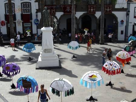 Pandorgas in the Plaza España, Santa Cruz de la Palma, today.