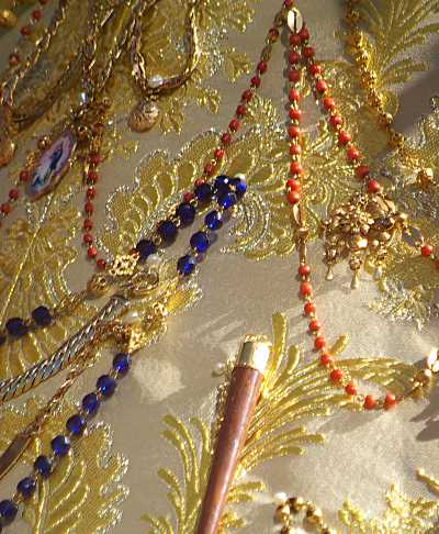 Detail of the statue's dress, showing the gorgeous embroidery.La subida de la virgin, Santa Cruz de La Palma