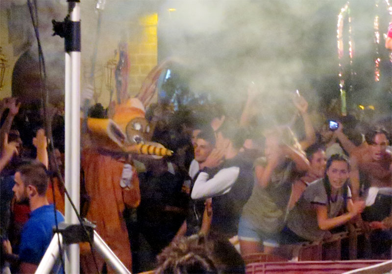 Bugs bunny carrying a smoking torch, El Borrachito fiesta, Mazo, La Palma