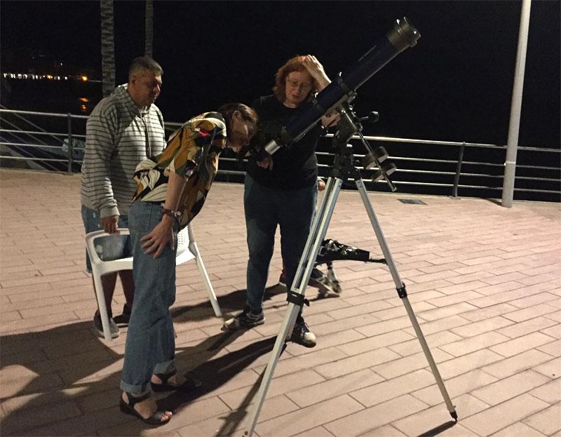 Looking at Jupiter and its big moons, Puerto ÇNaos, Los Llanos de Aridane